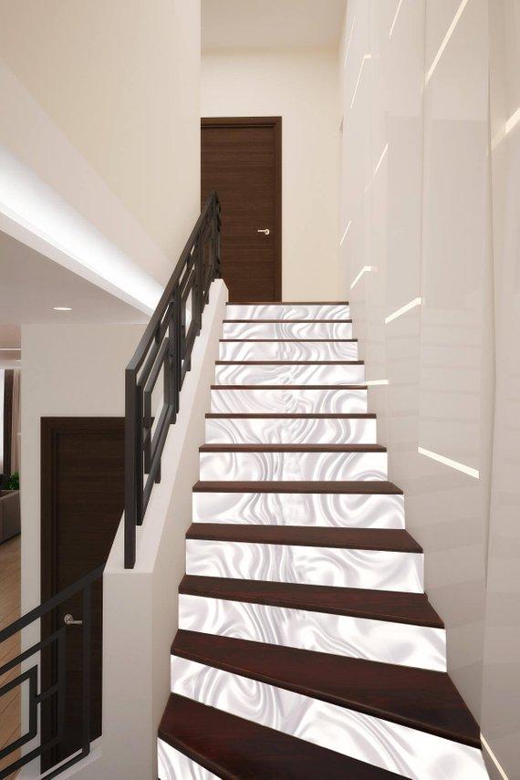 Vinilo para decorar la escalera efecto seda