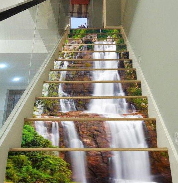 Vinilo Cascada para decorar la escalera