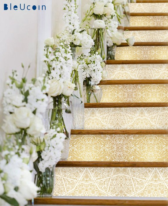 Decorar la escalera para un evento