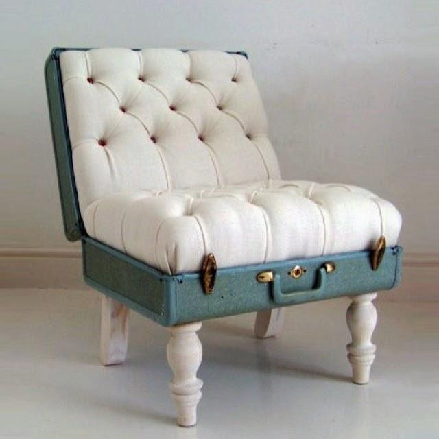 silla tapiza hecha con una maleta vintage